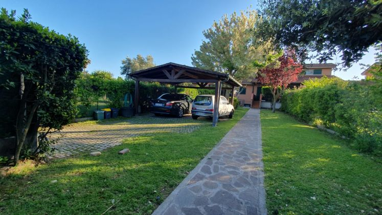 Casal Palocco - very close to Southlands! - Available: Immediately - image 4