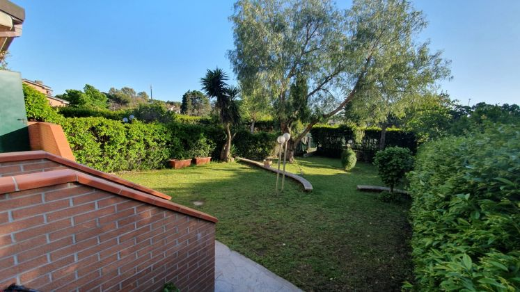 Casal Palocco - very close to Southlands! - Available: Immediately - image 16