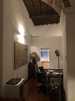 1 or 2 bedroom flat in quiet square near Piazza Venezia - image 9