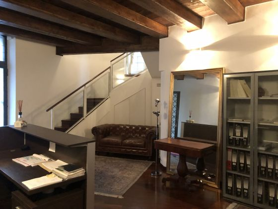 1 or 2 bedroom flat in quiet square near Piazza Venezia - image 3