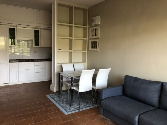 Camilluccia - lovely 1-bedroom flat with large terrace - image 4