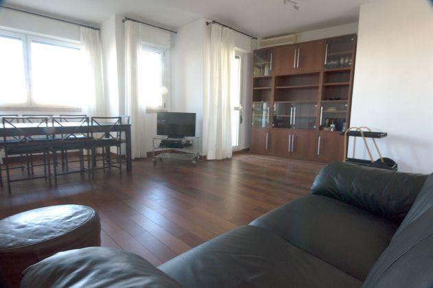 Via Aldo Ballarin full furnished apt 120 m2 on 5th floor with lift - image 4