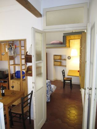 Fontana di Trevi quiet cosy apartment in the very heart of Rome - image 5