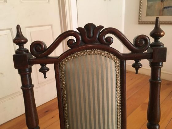 Pair of English antique bedroom chairs - image 1