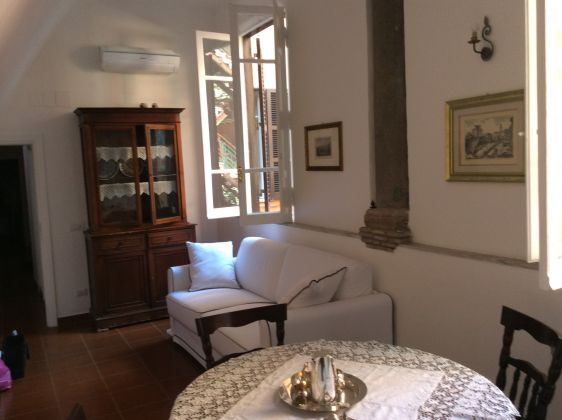 Quiet and elegant apartment in the heart of Rome - image 1