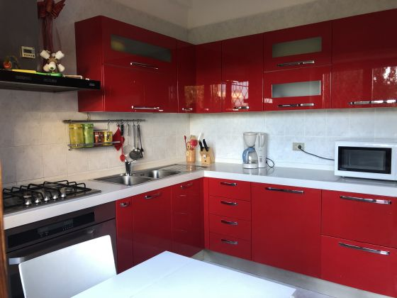 Absolutely stunning 4-bedroom flat with fireplace & terrace! - image 5