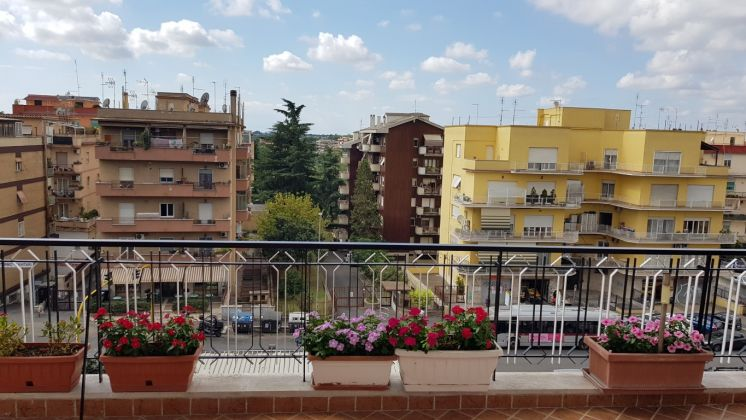 BRAVETTA - APARTMENT WITH TERRACE - image 11