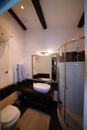Colosseum charming apartment in Monti area (2-6 guests) - image 5