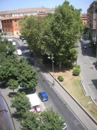 Trastevere - Piazza San Cosimato - 2 bedroom lovely remodeled flat - image 6