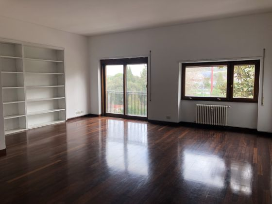 Flaminio - Bright 3-bedroom flat - image 1