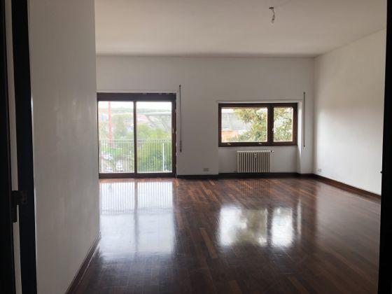 Flaminio - Bright 3-bedroom flat - image 3