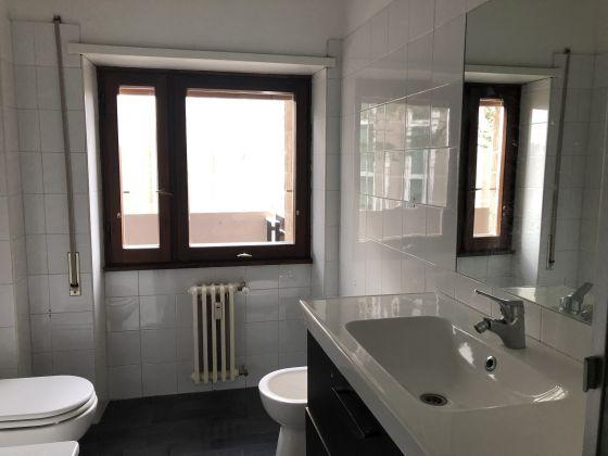 Flaminio - Bright 3-bedroom flat - image 10