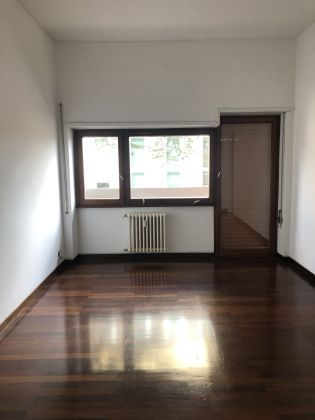 Flaminio - Bright 3-bedroom flat - image 9
