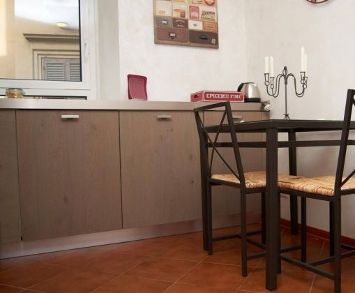 APARTMENT IN THE HISTORICAL CITY CENTRE OF ROME - image 3
