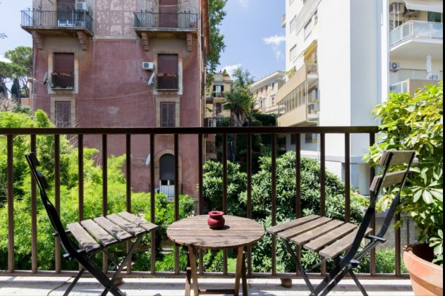 1 bedroom apartment in Trastevere - image 4