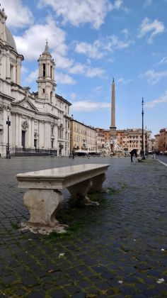 Rome: Grass grows in deserted Piazza Navona - image 7