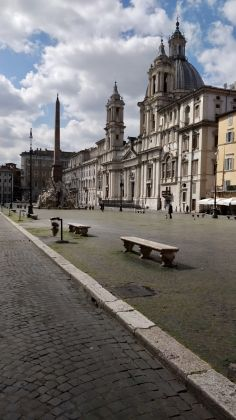 Rome: Grass grows in deserted Piazza Navona - image 2