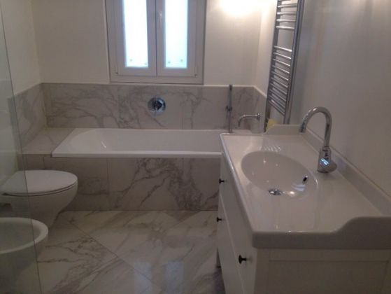 Bright, remodeled 3-bedroom flat near the Aurelian Wall - image 14