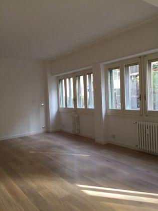 Bright, remodeled 3-bedroom flat near the Aurelian Wall - image 16