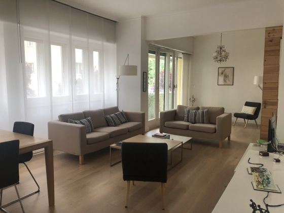 Bright, remodeled 3-bedroom flat near the Aurelian Wall - image 1