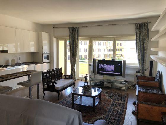 2 bedroom fully furnished flat Ponte Testaccio - image 1