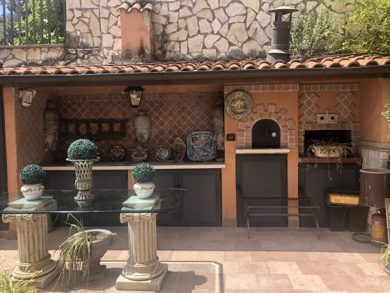 Luxury 400m2 apartment with huge patio and private garden - image 3