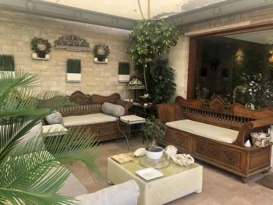 Luxury 400m2 apartment with huge patio and private garden - image 7