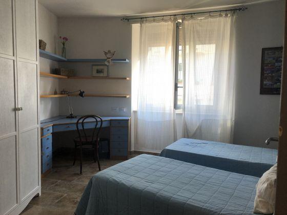 3-bedroom furnished flat Trastevere - image 5