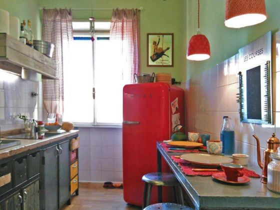 STYLISH, BRIGHT ROOM FOR RENT - image 3
