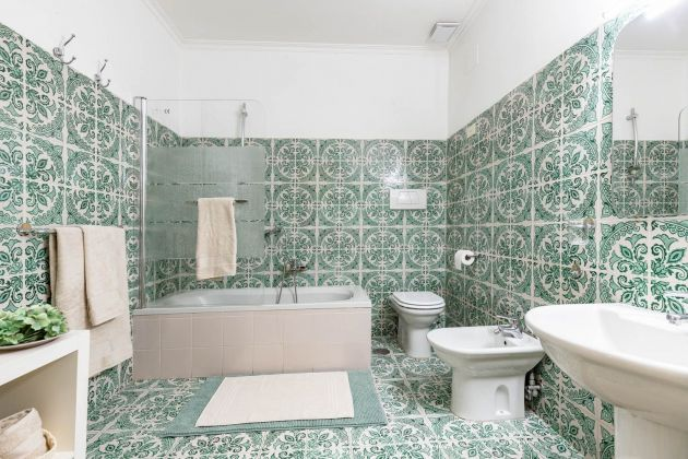 Elegant furnished 2-bedroom flat in the heart of ROME! - image 12