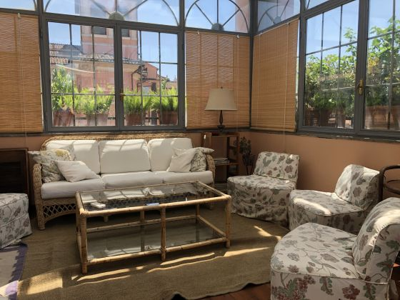 Amazing 2-bedroom penthouse with huge terrace in center of Rome! - image 4
