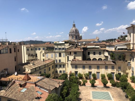 Amazing 2-bedroom penthouse with huge terrace in center of Rome! - image 3
