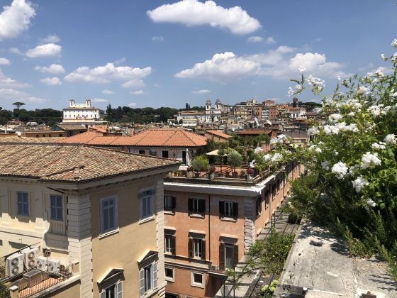 Amazing 2-bedroom penthouse with huge terrace in center of Rome! - image 16