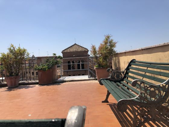 Amazing 2-bedroom penthouse with huge terrace in center of Rome! - image 17