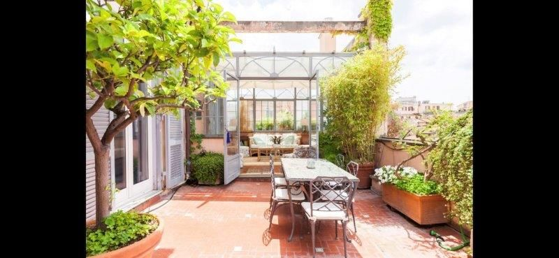 Amazing 2-bedroom penthouse with huge terrace in center of Rome! - image 18
