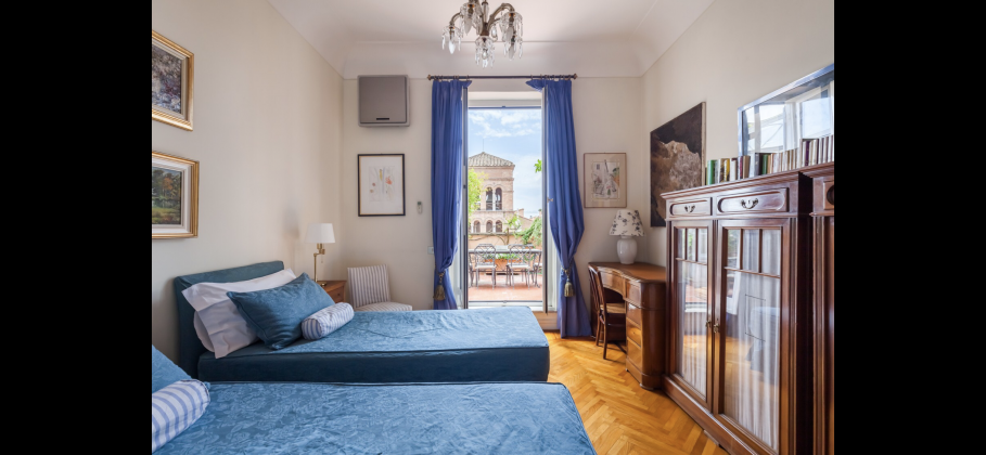 Amazing 2-bedroom penthouse with huge terrace in center of Rome! - image 13