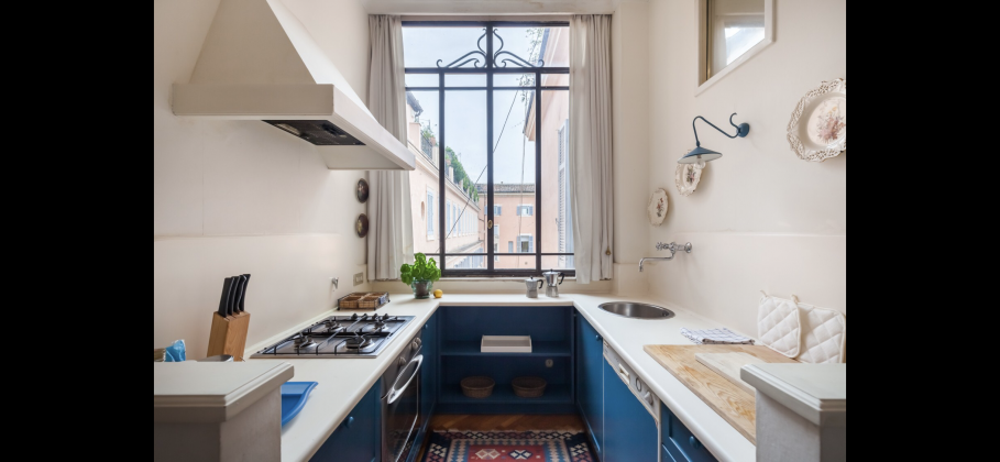 Amazing 2-bedroom penthouse with huge terrace in center of Rome! - image 10
