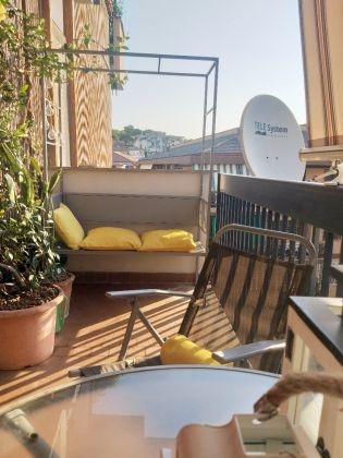 CHARMING AND URBAN FURNISHED STUDIO APARTMENT WITH TERRACE IN VILLA BONELLI - image 5