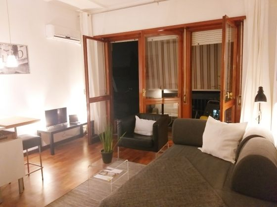 CHARMING AND URBAN FURNISHED STUDIO APARTMENT WITH TERRACE IN VILLA BONELLI - image 4