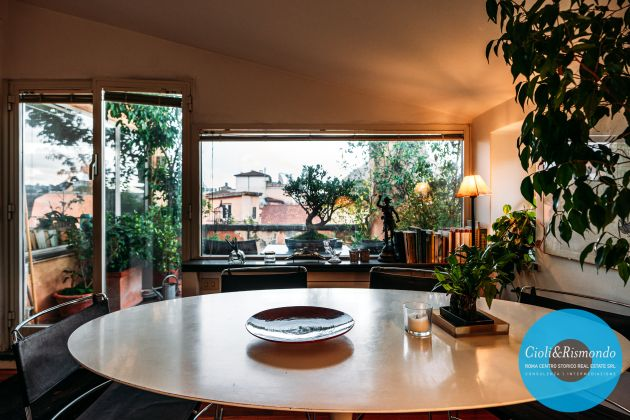 Penthouse on three levels with beautiful views and terrace for sale in Rome - image 7