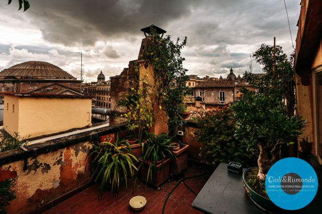 Penthouse on three levels with beautiful views and terrace for sale in Rome - image 12