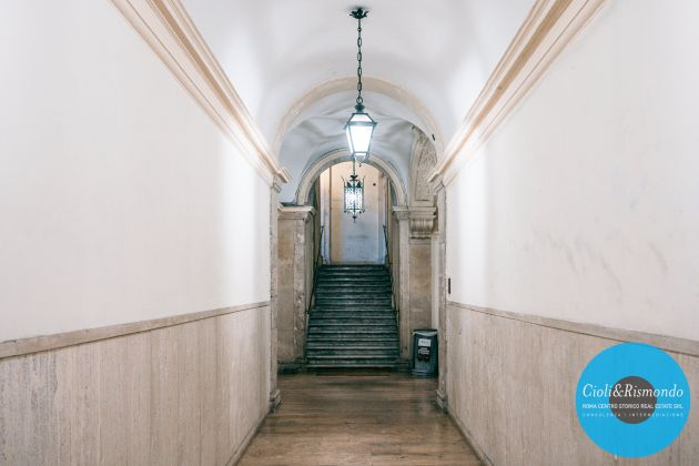 Property for sale near the Pantheon in Rome - image 3