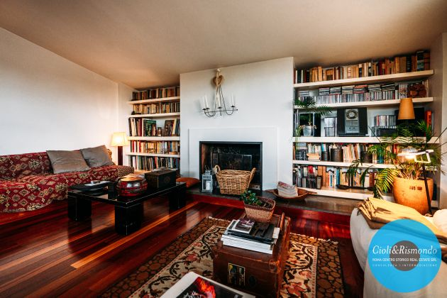Penthouse on three levels with beautiful views and terrace for sale in Rome - image 3
