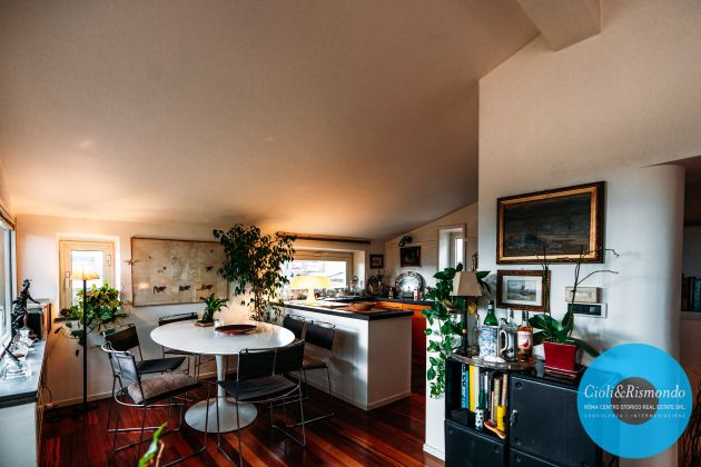 Penthouse on three levels with beautiful views and terrace for sale in Rome - image 5