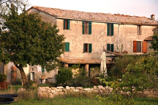 Only for lovers of highest quality uncontaminated countryside living in Sarteano (Siena)  170 km North of Rome. - image 1