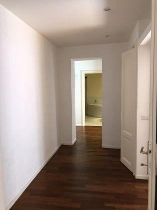 SUPER Bright 2-bedroom flat near Piazza Navona! - image 5