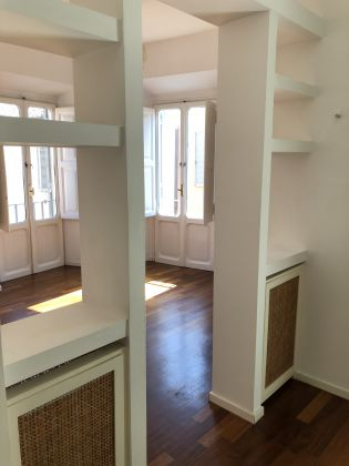 SUPER Bright 2-bedroom flat near Piazza Navona! - image 7