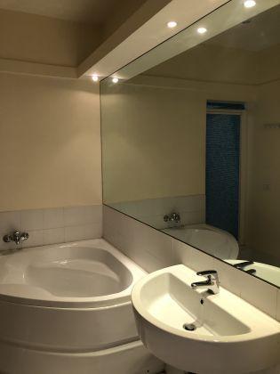 SUPER Bright 2-bedroom flat near Piazza Navona! - image 11