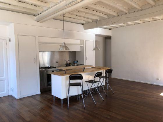 SUPER Bright 2-bedroom flat near Piazza Navona! - image 3