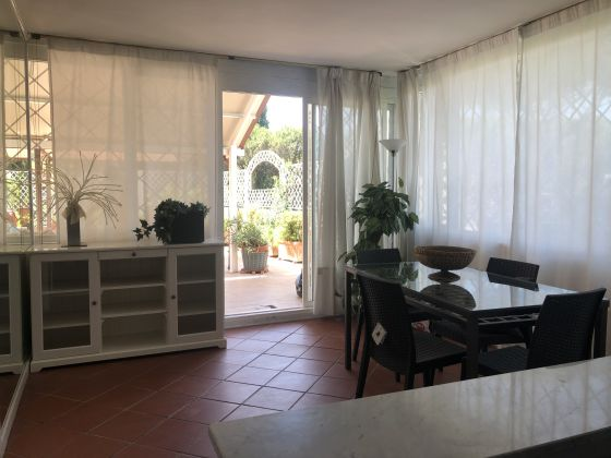 Furnished 3-bedroom flat with TERRACE and community pool and sauna - image 6